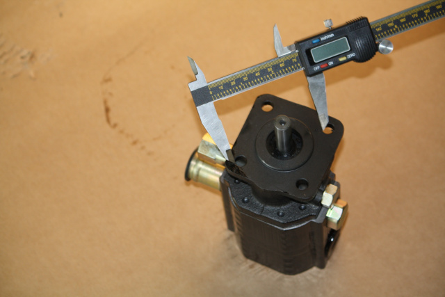 Hydraulic pump mounting bracket to small engines for log